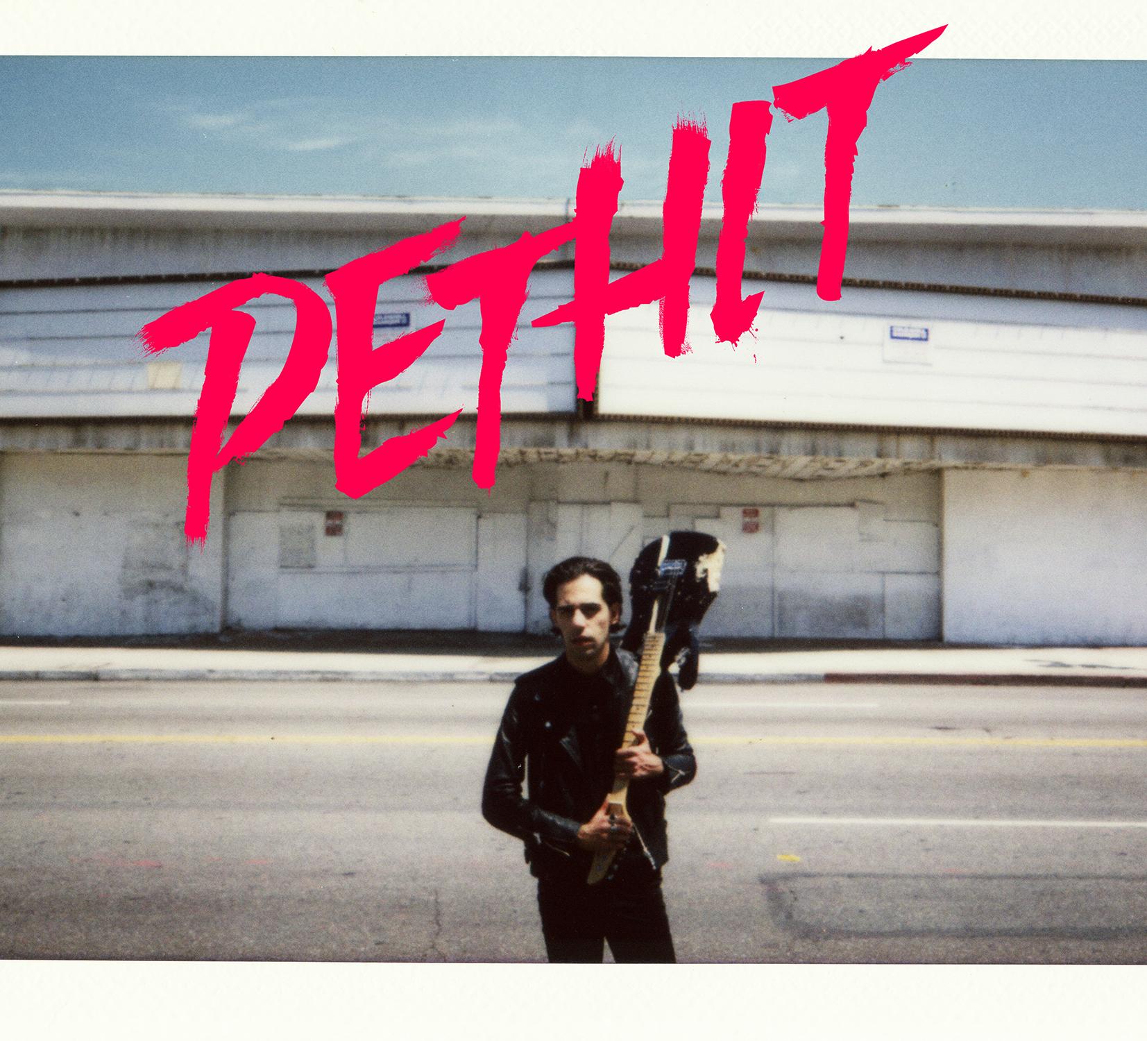 """THIAGO PETHIT MOSTRA SEU CANDY ROCK ABUSADO EM """"ROCK'N'ROLL SUGAR DARLING"""""""
